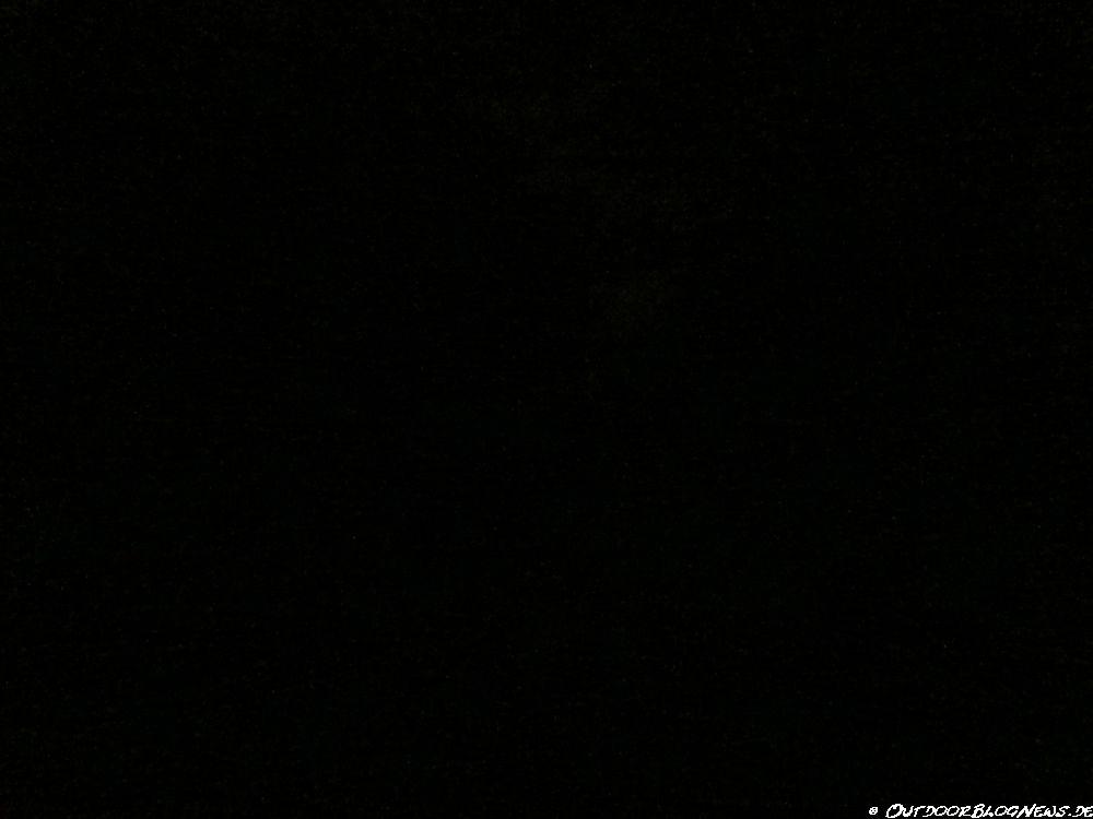 Ist-Zustand: Unbeleuchteter Weg, ohne Hilfsmittel ausgeleuchtet