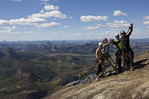 Gruppenbild von rechts nach links: Horacio Gratton, Holger Heuber, Edemilson Padiha und Stefan Glowacz Piedra Riscada Minas Gerais, BrasilienFoto: Klaus Fengler