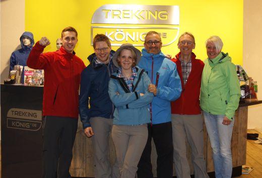 Das Team vom Trekking König Store in Münster Münster in Schöffel Montur - Bild: Trekking König